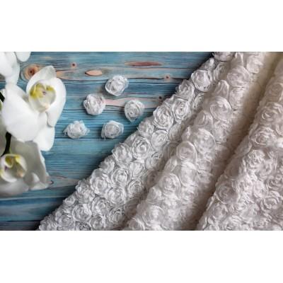 Ткань фактурная Розы на сетке